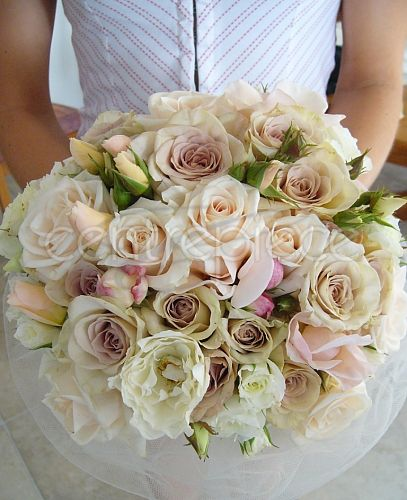 Bouquet with vintage roses